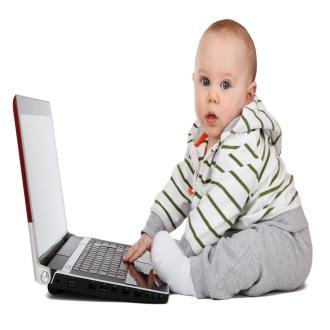 Lerncomputer mit Kind